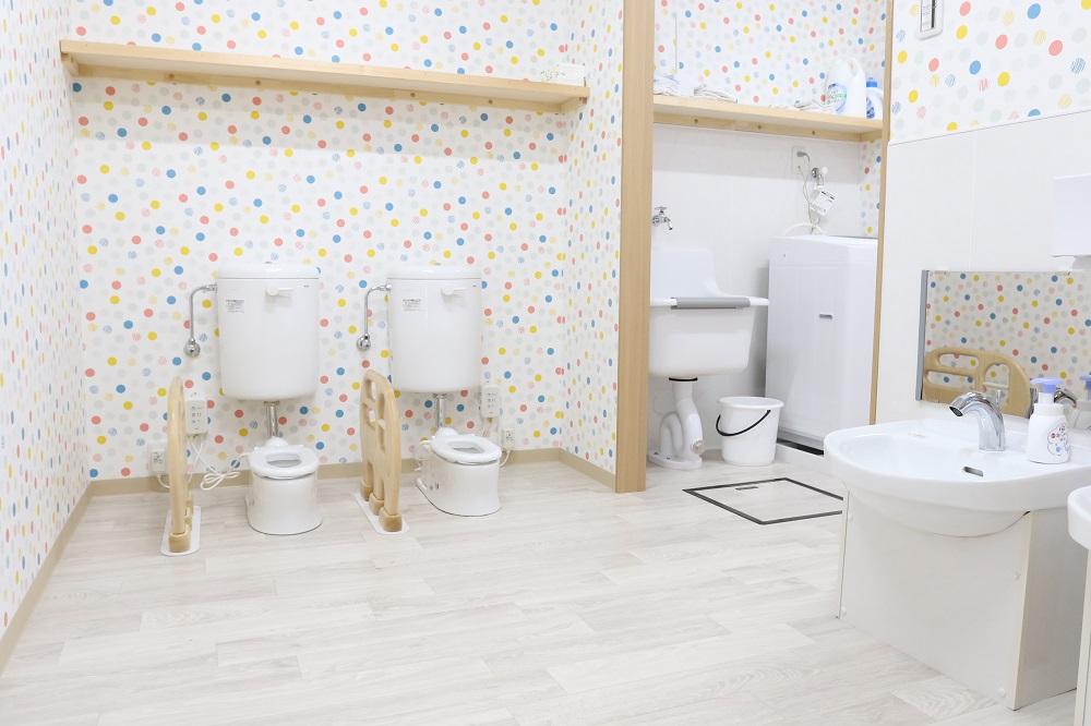 トイレにはかわいい便器が2基